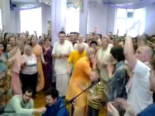 Gaura_SBb_BBGovinda Swami- MEGA kirtan 22.6.14 - 4